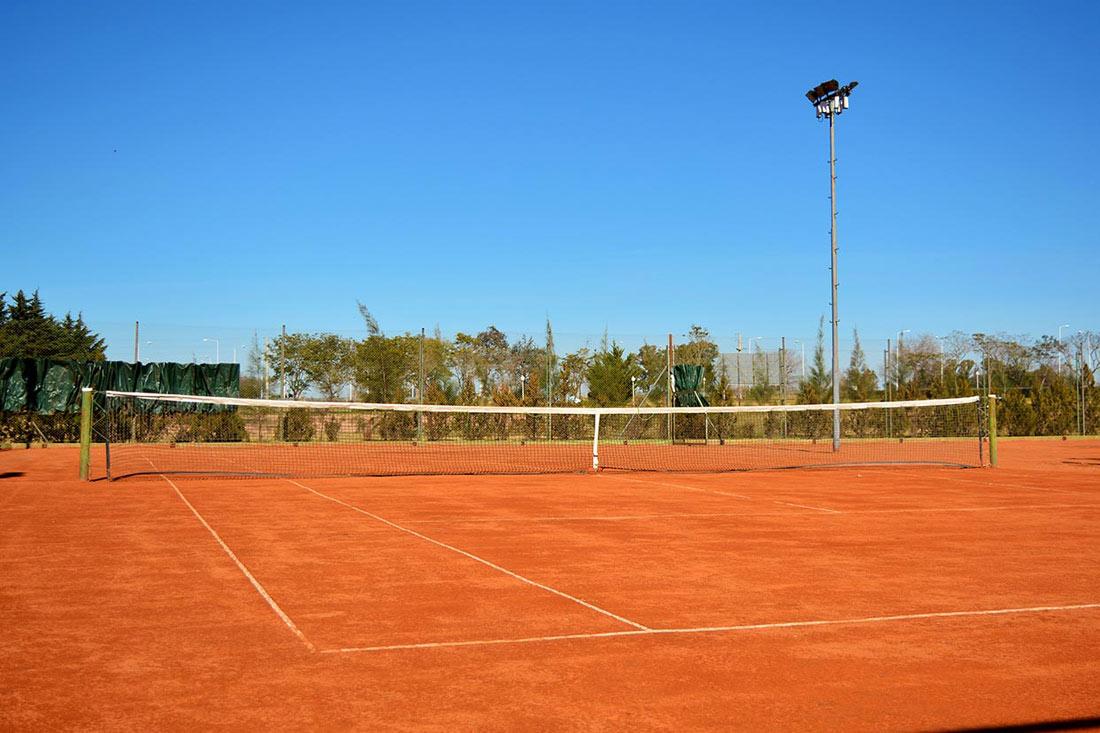 Tenis-(4)